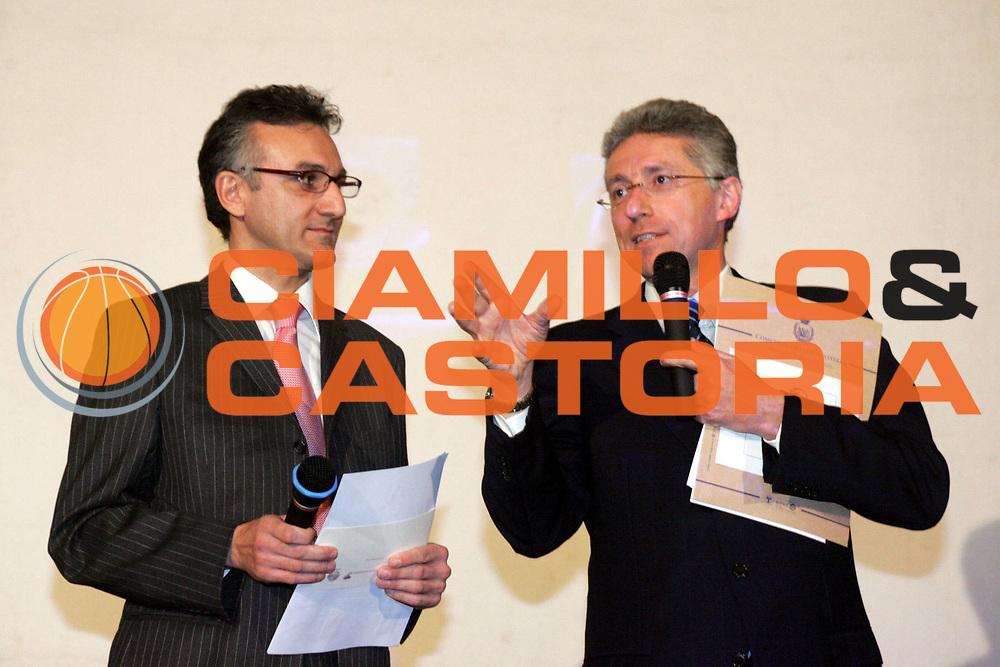 DESCRIZIONE : Quattro Castella Premio Reverberi 2005-06 <br />GIOCATORE : Montorro Dallari<br />SQUADRA : Superbasket Sky<br />EVENTO : Premio Reverberi 2005-2006 <br />GARA : <br />DATA : 20/02/2006 <br />CATEGORIA : Premiazione <br />SPORT : Pallacanestro <br />AUTORE : Agenzia Ciamillo-Castoria/Fotostudio13