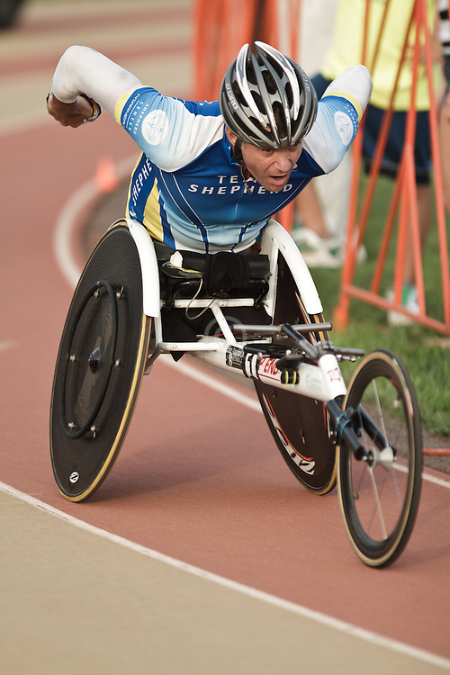 Falmouth Road Race: Falmouth Wheelchair Mile, Krige Schabort wins