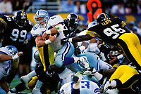 Dallas Cowboys Daryl Johnston plays in Super Bowl XXX against the Pittsburgh Steelers at Sun Devil Stadium on January 28, 1996 in Tempe, AZ. The Cowboys defeated the Steelers  27-17.<br />  (AP Photo/Tom DiPace)