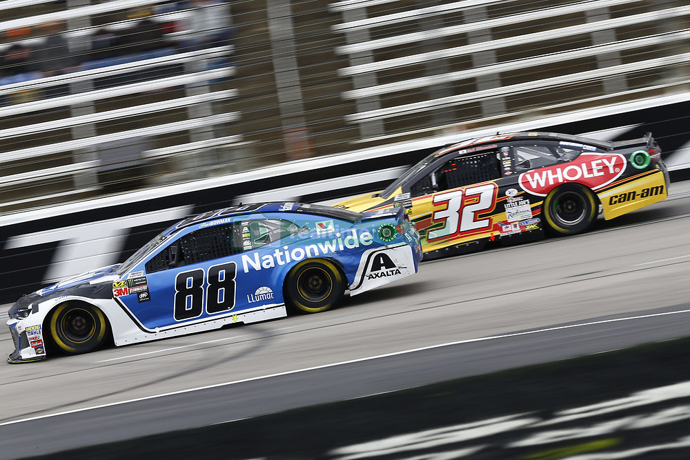April 8, 2018 - Ft. Worth, Texas, United States of America - April 08, 2018 - Ft. Worth, Texas, USA: Alex Bowman (88) and Matt DiBenedetto (32) battle for position during the O'Reilly Auto Parts 500 at Texas Motor Speedway in Ft. Worth, Texas. (Credit Image: © Chris Owens Asp Inc/ASP via ZUMA Wire)