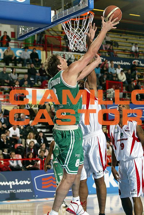 DESCRIZIONE : FORLI FINAL 8 COPPA ITALIA LEGA A1 2005<br />GIOCATORE : MARCONATO<br />SQUADRA : CASTI GROUP VARESE<br />EVENTO : FINAL 8 COPPA ITALIA LEGA A1 2005<br />GARA : BENETTON TREVISO-CASTI GROUP VARESE<br />DATA : 17/02/2005<br />CATEGORIA : Tiro<br />SPORT : Pallacanestro<br />AUTORE : AGENZIA CIAMILLO &amp; CASTORIA/S.Ceretti