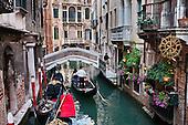 ITALY: Venice: St Mark's, Rialto, gondolas, canals, architecture