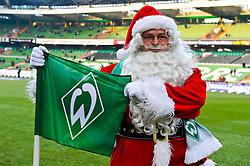 18.12..2010, Weser Stadion, Bremen, GER, 1.FBL, Werder Bremen vs 1. FC Kaiserslautern im Bild  der Bremer Weihnachtsmann vor dem Spiel,    EXPA Pictures © 2010, PhotoCredit: EXPA/ nph/  Kokenge       ****** out ouf GER ******
