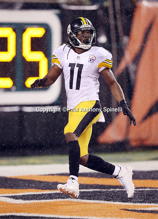 Pittsburgh Steelers kick returner Markus Wheaton (11) fields a kickoff in his own end zone during the NFL AFC Wild Card playoff football game against the Cincinnati Bengals on Saturday, Jan. 9, 2016 in Cincinnati. The Steelers won the game 18-16. (©Paul Anthony Spinelli)