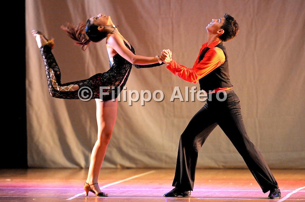&copy; Filippo Alfero<br /> Saggio della Scuola di ballo e danza Timba Tumba club<br /> Nichelino (TO), 10/06/2011