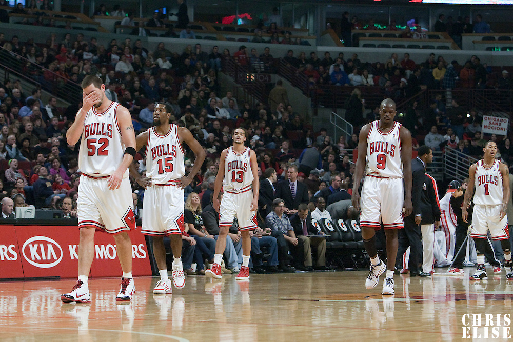 21 December 2009: Chicago Bulls center Brad Miller, Chicago Bulls guard John Salmons, Chicago Bulls center Joakim Noah, Chicago Bulls forward Luol Deng and Chicago Bulls guard Derrick Rose are seen during the Sacramento Kings 102-98 victory over the Chicago Bulls at the United Center, in Chicago, Illinois, USA.