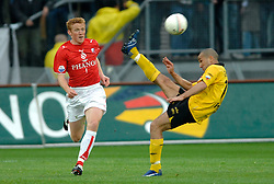 09-05-2007 VOETBAL: PLAY OFF: UTRECHT - RODA: UTRECHT<br /> In de play-off-confrontatie tussen FC Utrecht en Roda JC om een plek in de UEFA Cup is nog niets beslist. De eerste wedstrijd tussen beide in Utrecht eindigde in 0-0 / Adil Ramzi en Hans Somers<br /> ©2007-WWW.FOTOHOOGENDOORN.NL