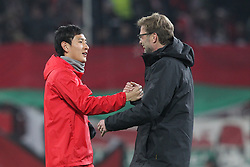 18.02.2016, WWKArena, Augsburg, GER, UEFA EL, FC Augsburg vs FC Liverpool, Sechzehntelfinale, Hinspiel, im Bild Dong-Won Ji ( FC Augsburg ) Trainer Juergen Klopp ( FC Liverpool ) // during the UEFA Europa League Round of 32, 1st Leg match between FC Augsburg and FC Liverpool at the WWKArena in Augsburg, Germany on 2016/02/18. EXPA Pictures © 2016, PhotoCredit: EXPA/ Eibner-Pressefoto/ Langer<br /> <br /> *****ATTENTION - OUT of GER*****