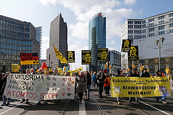"""Rund 500 Atomkraftgegner demonstrieren aus Anlass des 5. Jahrestages der Fukushima-Katastrophe auf der Kazaguruma-Demonstration (""""Windrad-Demonstration"""") in Berlin."""