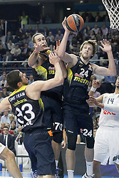 03.12.2015, Palacio de los Deportes, Madrid, ESP, FIBA, EL, Real Madrid vs Fenerbahce Ulker Istanbul, Halbfinale, im Bild Fenerbahce Istambul's Nikola Kalinic (l), Luigi Datome (c) and Jan Vesely // during thesemifinall Match of the Turkish Airlines Basketball Euroleague between Real Madrid and Fenerbahce Ulker Istanbul at the Palacio de los Deportes in Madrid, Spain on 2015/12/03. EXPA Pictures © 2015, PhotoCredit: EXPA/ Alterphotos/ Acero<br /> <br /> *****ATTENTION - OUT of ESP, SUI*****