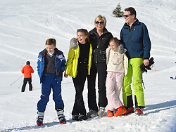 22.02.2016, Lech, AUT, Fototermin mit der Niederländischen Königsfamilie in Lech am Arlberg, im Bild Count Claus-Casimir, Countess Eloise, Prinzessin Laurentien, Countess Leonore und Prinz Constantijn // Count Claus-Casimir, Countess Eloise, Princess Laurentien, Countess Leonore and Prince Constantijn pose for photographers during a photo session in the Austrian skiing resort of  in Lech, on Monday, Feb. 22, 2016. The Dutch Royal family is currently spending their winter vacation in the western Austrian province of Vorarlberg. Lech, Austria on 2016/02/22. EXPA Pictures © 2016, PhotoCredit: EXPA/ Stringer