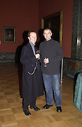 Neil Tennant and Philip Hoare. private view for the Turner Prize at Tate Britain. 6 November 2001. © Copyright Photograph by Dafydd Jones 66 Stockwell Park Rd. London SW9 0DA Tel 020 7733 0108 www.dafjones.com