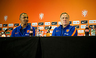NOORDWIJK - De nieuwe bondscoach Dick Advocaat en zijn assistent Ruud Gullit tijdens een persbijeenkomst in Huis ter Duin. Oranje is in voorbereiding voor de WK kwalificatiewedstrijd tegen Luxemburg. COPYRUGHT ROBIN UTRECHT<br /> NOORDWIJK - The new federal coach Dick Advocaat and his assistant Ruud Gullit during a press conference in Huis ter Duin. Orange is in preparation for the World Championships qualifiers match against Luxembourg. COPYRUGHT ROBIN UTRECHT