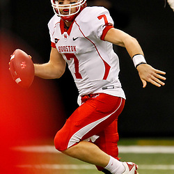 November 10, 2011; New Orleans, LA, USA; Houston Cougars quarterback Case Keenum (7) scrambles against the Tulane Green Wave during the second half at the Mercedes-Benz Superdome.  Houston defeated Tulane 73-17. Mandatory Credit: Derick E. Hingle-US PRESSWIRE