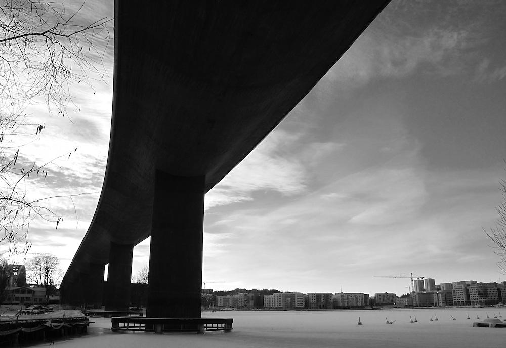 Årstabron. Järnvägsbro på Södra stambanan.