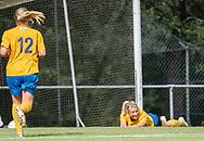 FODBOLD: En liggende Christine Kelm (Ølstykke FC) har scoret til 1-0 under kampen i Sjællandsserien mellem Ølstykke FC og Nykøbing/Vordingborg den 7. september 2019 på Ølstykke Stadion. Foto: Claus Birch
