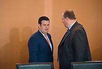 DEU, Deutschland, Germany, Berlin, 30.05.2018: Bundesarbeitsminister Hubertus Heil (SPD) und Kanzleramtsminister Helge Braun (CDU) vor Beginn der 11. Kabinettsitzung im Bundeskanzleramt.