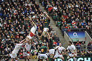 Twickenham, GREAT BRITAIN, SA's, Victor MATFIELD dominates the line out with a clean take and pass, during the Investec Challenge Series, England vs South Africa  [RSA], Autumn Rugby International at Twickenham Stadium, Surrey on Sat 22.11.2008 [Photo, Peter Spurrier/Intersport-images]