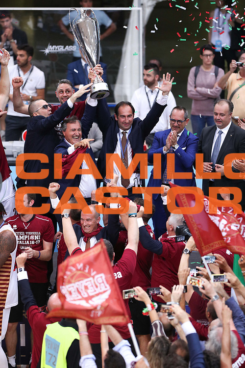 Premiazione, Dolomiti Energia Trentino vs Umana Reyer Venezia LBA Serie A Playoff Finale gara 6 stagione 2016/2017 Pala Trento, Trento 20 giugno 2017