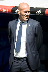 09.04.2016, Estadio Santiago Bernabeu, Madrid, ESP, Primera Division, Real Madrid vs SD Eibar, 32. Runde, im Bild Real Madrid's coach Zinedine Zidane // during the Spanish Primera Division 32th round match between Real Madrid and SD Eibar at the Estadio Santiago Bernabeu in Madrid, Spain on 2016/04/09. EXPA Pictures © 2016, PhotoCredit: EXPA/ Alterphotos/ Borja B.Hojas<br /> <br /> *****ATTENTION - OUT of ESP, SUI*****