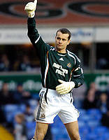 Photo: Leigh Quinnell.<br /> Birmingham City v Newcastle United. The FA Cup. 06/01/2007. Shay Given thanks the Newcastle fans.