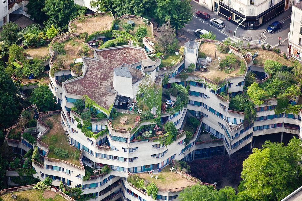 Ivry-sur-Seine, département du Val-de-Marne (94), centre-ville, planted decks and roof gardens for outdoor use.