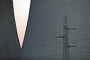 Temelin/Tschechische Republik, CZE, 11.12.06: Detail der Kühltürme des Atomkraftwerks Temelin auf dem Gelände der Betreiberfirma CEZ.<br /> <br /> Temelin/Czech Republic, CZE, 11.12.06: Detail of cooling towers from the Temelin Nuclear Power Station in South Bohemia.