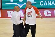 DESCRIZIONE : Pistoia Lega A 2014-2015 Giorgio Tesi Group Pistoia Banco di Sardegna Sassari<br /> GIOCATORE : Stefano Sardara Luigi Lamonica Arbitro<br /> CATEGORIA : Arbitro fairplay<br /> SQUADRA : Banco di Sardegna Sassari arbitro<br /> EVENTO : Campionato Lega A 2014-2015<br /> GARA : Giorgio Tesi Group Pistoia Banco di Sardegna Sassari<br /> DATA : 20/10/2014<br /> SPORT : Pallacanestro<br /> AUTORE : Agenzia Ciamillo-Castoria/GiulioCiamillo<br /> GALLERIA : Lega Basket A 2014-2015<br /> FOTONOTIZIA : Pistoia Lega A 2014-2015 Giorgio Tesi Group Pistoia Banco di Sardegna Sassari<br /> PREDEFINITA :