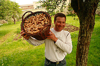 Burgundy, France..Arnaud Ente, winemaker in Meursault...Photo by Owen Franken for the NY Times..May 28, 2008.