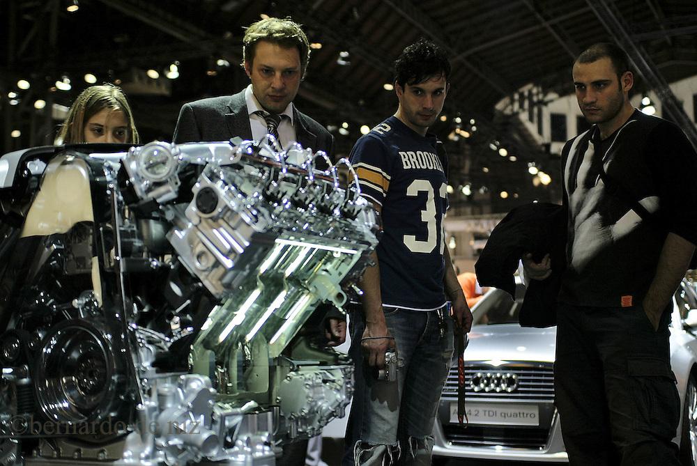 Imagenes de la Feria Internacional del Automovil, que cada año reune a las mejores firmas de automoviles, hace presentaciones de nuevos modelos asi com de prototipos. /BERNARDO DE NIZ/14 de Mayo 2005