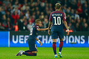 Paris Saint Germain's French forward Kylian Mbappe and Paris Saint Germain's Brazilian forward Neymar Jr talk during the UEFA Champions League, Group B football match between Paris Saint-Germain and Bayern Munich on September 27, 2017 at the Parc des Princes stadium in Paris, France - Photo Benjamin Cremel / ProSportsImages / DPPI