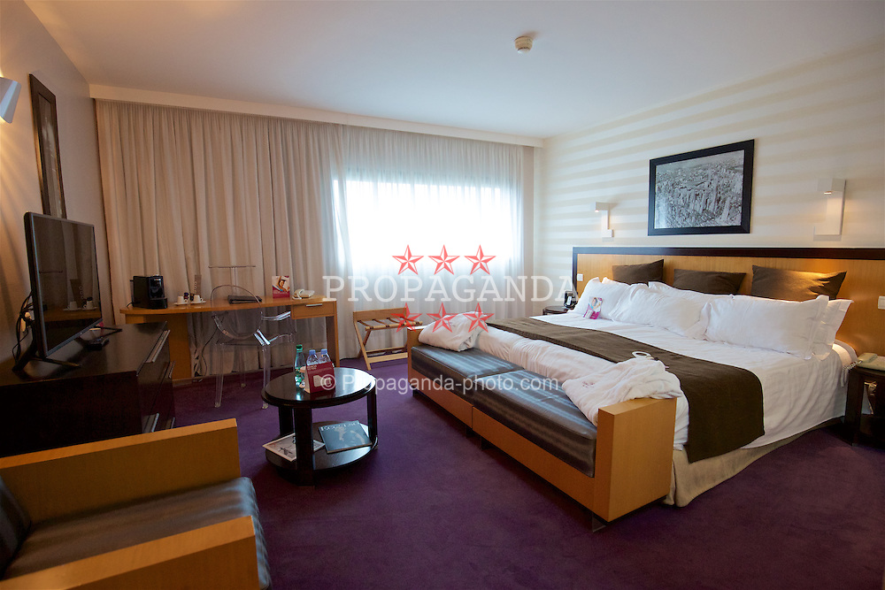 LILLE, FRANCE - Wednesday, January 27, 2016: Room 1002 at the Crowne Plaza Lille Hotel during an inspection visit ahead of the UEFA Euro 2016 Tournament. (Pic by David Rawcliffe/Propaganda)