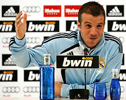 16.03.2010, Ciudad Real Madrid, Madrid, ESP, Primera Divison, PK Real Madrid im Bild Rafael Van der Vaart, EXPA Pictures © 2010, PhotoCredit: EXPA/ Alterphotos/ Alex Cid Fuentes