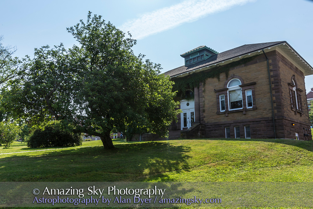 """The apple tree on the grounds of Acadia University, Nova Scotia grown from a cutting from the original apple tree at Woolsthorpe Manor that inspired Isaac Newton to devise the theory of gravity, when he reportedly was hit by a falling apple from the tree. The closeups show a """"Newton's Apple."""""""