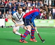 BILTHOVEN - hoofdklasse competitie heren SCHC-Pinoke.(1-4).   Bram  Weers (SCHC) met Gijs van Wagenberg (Pinoke)  COPYRIGHT KOEN SUYK