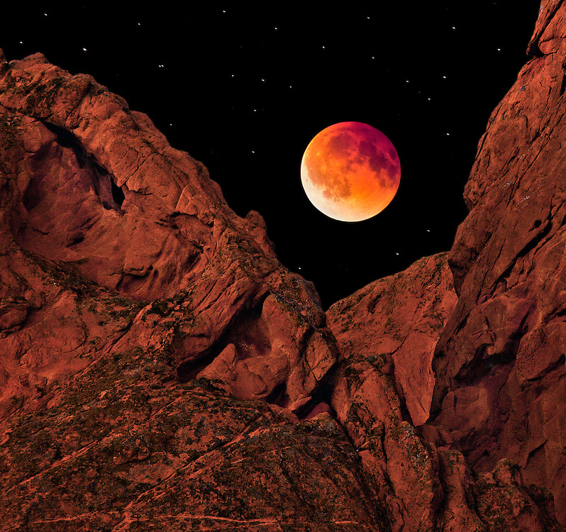 A total lunar eclipse on April 14, 2014.
