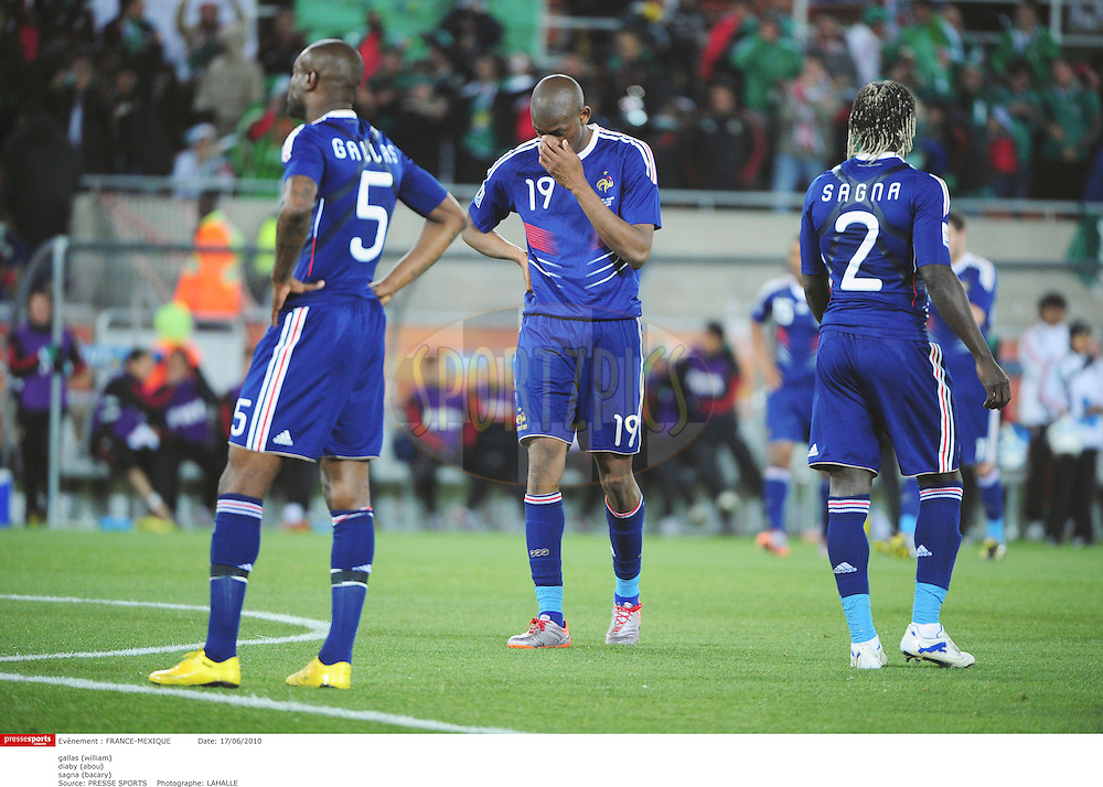 GROUPE A *** Local Caption *** gallas (william)..diaby (abou)..sagna (bacary)