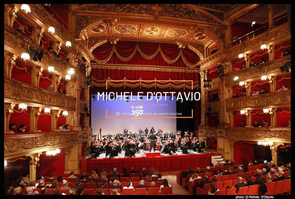 Concerto al Teatro Carignano dell'Orchestra Sinfonica Nazionale della Rai previsto  nell'ambito di 'Italiani. Immagini e identità', il programma di avvicinamento al 2011 promosso dal Comitato Italia 150.