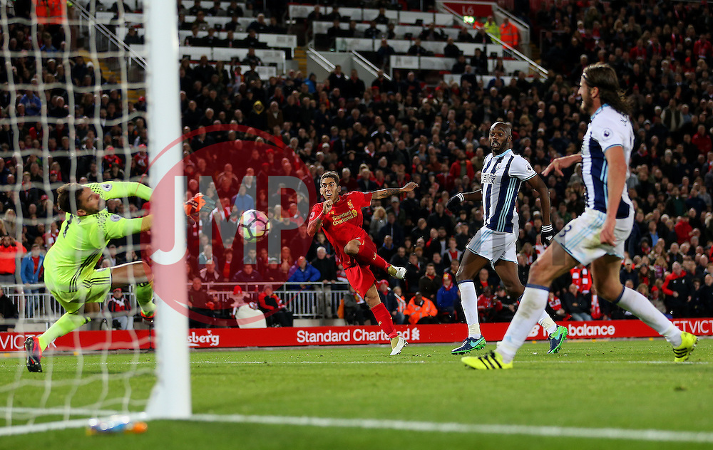 Roberto Firmino of Liverpool forces a save from Ben Foster of West Bromwich Albion - Mandatory by-line: Matt McNulty/JMP - 22/10/2016 - FOOTBALL - Anfield - Liverpool, England - Liverpool v West Bromwich Albion - Premier League