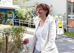 06.05.2018, Innsbruck, AUT, Bürgermeisterstichwahl Innsbruck, Stimmabgabe, im Bild Christine Oppitz-Plörer (FI) // during the mayoral stitch election in Innsbruck, Austria on 2018/05/06. EXPA Pictures © 2018, PhotoCredit: EXPA/ Johann Groder