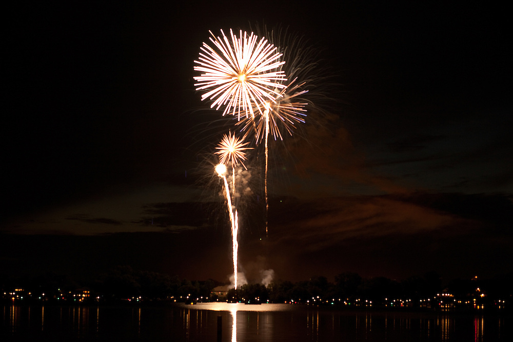 Fireworks over Lake Wauconda, IL July 4th, 2009