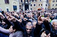Roma 20 Aprile 2013.Proteste davanti a Montecitorio  del Movimento Cinque Stelle  per la rielezione di Giorgio Napolitano alla Presidenza della Repubblica. Manifestanti puntano le dita contro la Camera dei Deputati