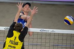 07-01-2018 NED: DELA Beach Open day 5, Den Haag<br /> Alexander Brouwer #1 en Robert Meeuwsen #2 (foto) moeten genoegen nemen met de kleine finale. Ze gaan om het brons strijden, want in de halve finale was het Poolse duo Kantor #1/Losiak #2 met 0-2 (14-21, 22-24) te sterk.