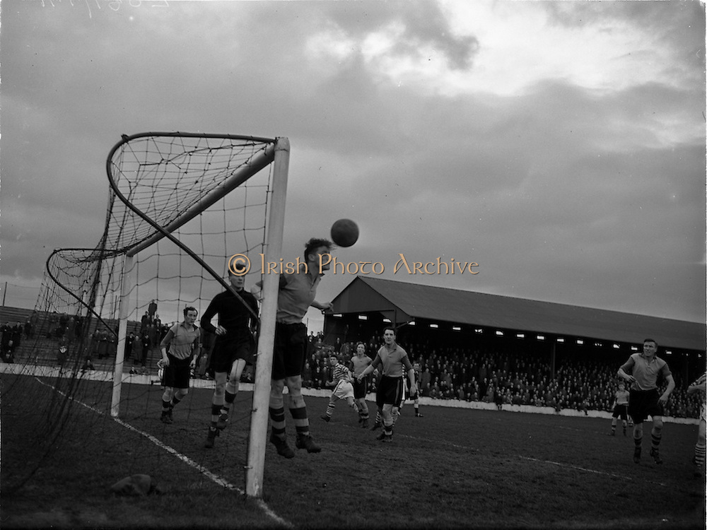25/02/1953<br />