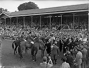 05/08/1960<br /> 05/08/1960<br /> 05 August 1960<br /> R.D.S Horse Show Dublin (Friday). Aga Khan Trophy. The Argentine non-riding captain, Señor Pedro Mayorga, introduces the President of Ireland Eamonn De Valera to the victorious Argentine team, following their winning the Aga Khan Competition at the R.D.S. Horse Show, Dublin.