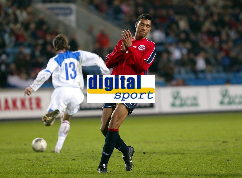 Fotball, 28. april 2004, Privatlandskamp, Norge-Russland 3-2,  John Carew, Norge