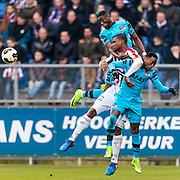 TILBURG - 19-02-2017, Willem II - AZ, Koning Willem II Stadion, AZ speler Derrick Luckassen, Willem II speler Obbi Oulare, AZ speler Ridgeciano Haps