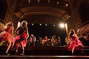 7e Festival Phénomena. 10 heures de happening sur les 4 étages du Théâtre Rialto. Samedi 20 octobre 2018   de 14 h à minuit. DE POURPOUR<br /> la fanfare PourPour  en comPaGnie deS SoeurS Schmutt.