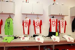 08.11.2014, SGL Arena, Augsburg, GER, 1. FBL, FC Augsburg vs SC Paderborn 07, 11. Runde, im Bild Kabine, FC Augsburg, Trikot, l-r: Marwin Hitz #35 (FC Augsburg), Jeong-Ho Hong #20 (FC Augsburg), Nikola Djurdjic #34 (FC Augsburg), Abdul Rahman Baba #12 (FC Augsburg), Markus Feulner #8 (FC Augsburg), // during the German Bundesliga 11th round match between FC Augsburg and SC Paderborn 07 at the SGL Arena in Augsburg, Germany on 2014/11/08. EXPA Pictures © 2014, PhotoCredit: EXPA/ Eibner-Pressefoto/ Kolbert<br /> <br /> *****ATTENTION - OUT of GER*****