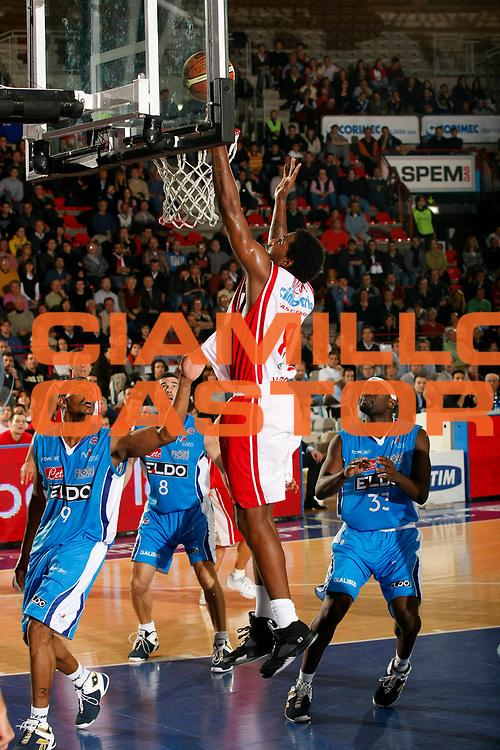 DESCRIZIONE : Varese Lega A1 2007-08 Cimberio Varese Eldo Napoli<br /> GIOCATORE : Marcus Melvin<br /> SQUADRA : Cimberio Varese<br /> EVENTO : Campionato Lega A1 2007-2008<br /> GARA : Cimberio Varese Eldo Napoli<br /> DATA : 04/11/2007<br /> CATEGORIA : Tiro<br /> SPORT : Pallacanestro<br /> AUTORE : Agenzia Ciamillo-Castoria/G.Cottini